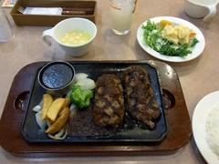 5日目夕食は『普通の』ハンバーグ.jpg