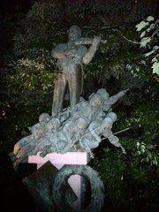 チボリ園銅像