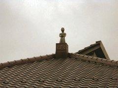 遠野・駅の屋根の上のカッパ.JPG