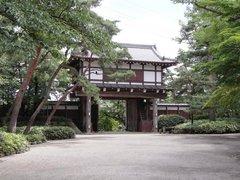 久保田城表門を内側から.jpg