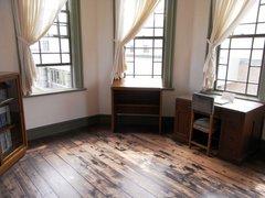 旧弘前市立図書館評議室.jpg