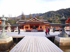 厳島神社・正面・干潮時
