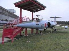 三沢航空科学館屋外F104.jpg