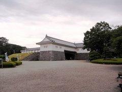 山形城東大手門を内側から.jpg