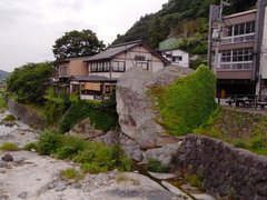 山寺02対面岩2.jpg