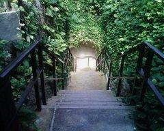 石垣島鍾乳洞下り階段