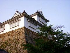 津山城・備中櫓を見上げる2