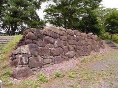 二本松城古い石垣.jpg