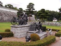 二本松城少年隊の像.jpg