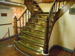 日本丸・第2甲板甲板と上甲板を結ぶ階段