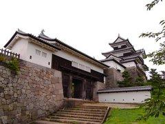白河小峰城三重櫓と前御門.jpg