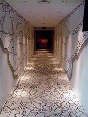 斑鳩文化財センター・展示室通路.jpg