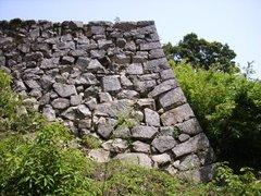 備中松山城登山道からみた石垣