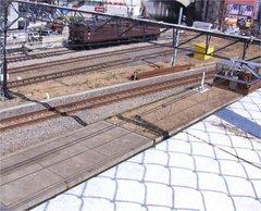 万世橋駅ホーム跡を交通博物館屋上より見下ろす