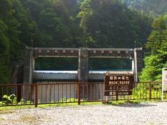 トロッコ列車・小屋平ダム.jpg