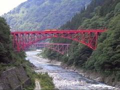 トロッコ列車・山彦橋を渡るトロッコ列車.JPG
