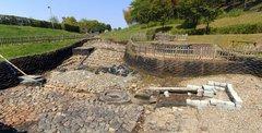亀形石造物・全景1.jpg