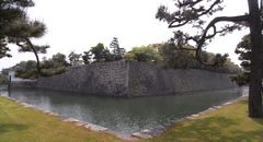 二条城・内濠と本丸.jpg
