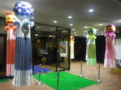 仙台/ホテル入口の吹き流し.jpg