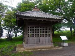 多賀城の碑/覆屋.jpg