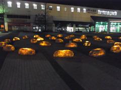 夜の丸亀駅前.jpg