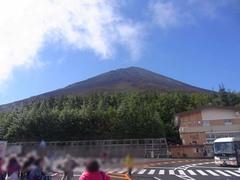 富士山五合目・山頂を見上げる.jpg