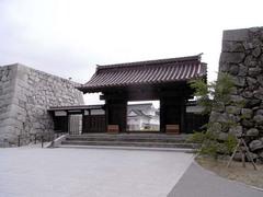 富山城・千歳御門.jpg