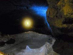 富岳風穴・氷の池.jpg