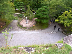小諸城・天守台より下を見下ろす.jpg