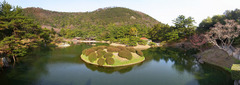 栗林公園・南湖・全景.jpg