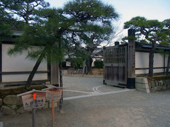 栗林公園・東門.jpg