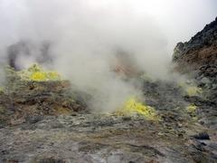 硫黄山・噴出口4.jpg