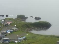納沙布岬・平和の塔から見るポイモンチャシ.jpg