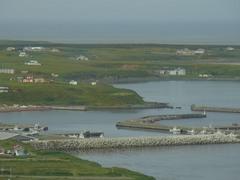 納沙布岬・平和の塔から見る温根元港とオンネモトチャシ.jpg