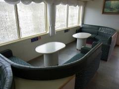 観光船・2階コーヒーラウンジ.jpg