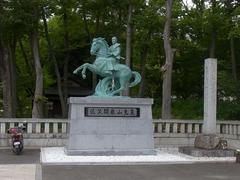 象山神社・象山銅像.jpg