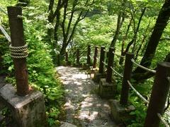 鐘釣・河原温泉への階段.jpg