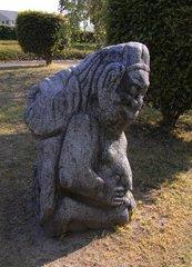 飛鳥資料館・吉備姫王墓の猿石2.jpg