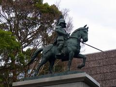 高知城・山内一豊の像.jpg