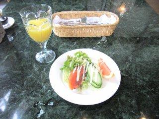 ヴィラリバージュ朝食1.jpg