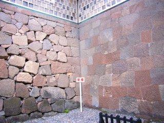 金沢城石川門石垣.jpg