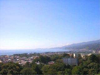 小田原城天守閣より海を望む.jpg