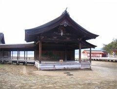 厳島神社・能舞台・干潮時
