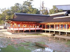 厳島神社・廊下・干潮時