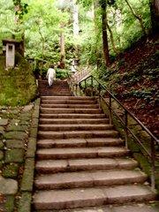 山寺階段01登山口よりすぐ.jpg