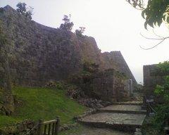 中城城・正門