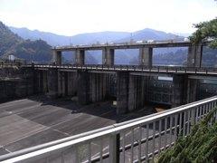 小河内ダム・余水吐水門外側