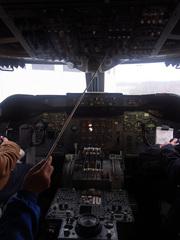 ボーイング747-400/操縦席.jpg