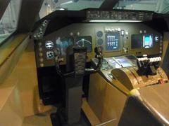 ボーイング747模型/操縦席.jpg