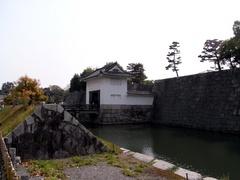 二条城・東橋と櫓門.jpg